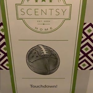 """Scentsy """" Touchdown """" warmer slightly used"""